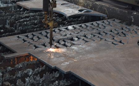 佳龙特厚钢板切割效率非常高,为我们节省人力物力